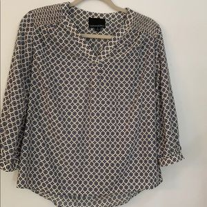 Blouse with 3/4 length sleeves!!